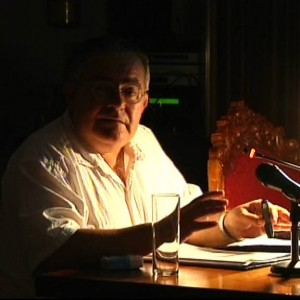 El Pleno aprueba reconocer la labor docente y periodística de Juan Mellado Poza durante más de treinta años