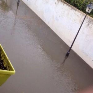 La parlamentaria  de Izquierda Unida, Inmaculada Nieto, acude a Chipiona para entrevistarse con varios vecinos afectados por inundaciones