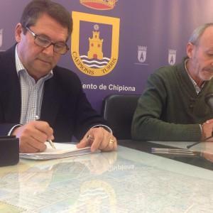 Antonio Peña anuncia que la Junta ha autorizado el proyecto de la estación de bombeo de la calle Chapetón