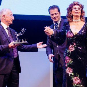 Sophia Loren brilla en la constelación de estrellas de la gala de clausura de #Fical2017