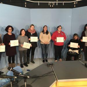 13 mujeres reciben los diplomas del taller de alfabetización mediática de la Asociación de Emisoras Municipales de Andalucía