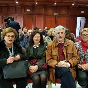 Homenaje municipal a los docentes que se jubilaron en Chipiona en el pasado curso