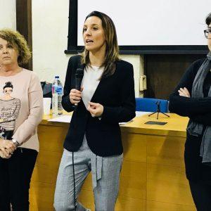 Entregados los diplomas del curso con el que el Ayuntamiento de Chipiona forma en ayuda a domicilio