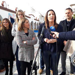 Irene García e Isabel Jurado visitan la obra del PFEA en la calle Víctor Pradera y tratan asuntos prioritarios para Chipiona