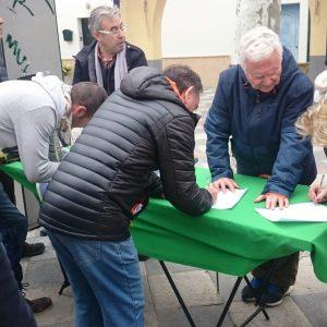 Una marcha y una recogida de firmas reivindicaron el sábado en Chipiona pensiones dignas