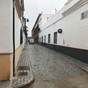El Ayuntamiento de Chipiona finaliza la rehabilitación de la calle Padre Jesús Cautivo mediante el Plan Invierte 2017
