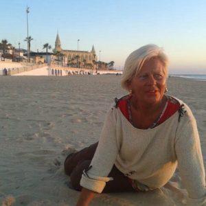 Javier Díaz anuncia que María del Carmen Claver Egler será la 'madrina' de las playas de Chipiona 2018