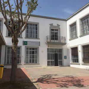 Hoy acaba el plazo de solicitudes en el Centro de educación de adultos Miguel Espinosa Pau para el próximo curso