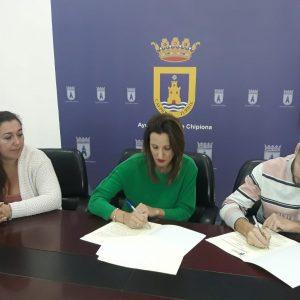 Firmado el convenio por el que el Ayuntamiento subvenciona a la Asociación Las Coplas con 3000 euros