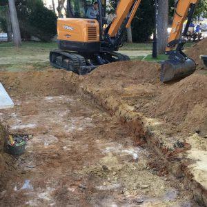 Diputación inicia la excavación en busca de fosas comunes en el Parque El Mayeto, en Rota, entre las que podrían estar los restos de 7 chipioneros