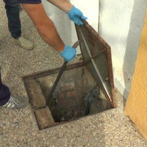 El Ayuntamiento de Chipiona aprovecha las vacaciones de Semana Santa para la fumigación en centros escolares públicos