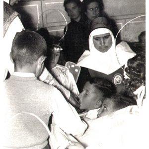 El pasado 19 de abril se cumplió el 125 aniversario de la fundación del colegio»Divina Pastora» de Chipiona.