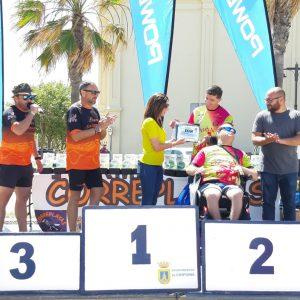 Doblete chipionero en los 10 kilómetros Correplayas con Eva Mellado y Fran Caraballo que fue ganador absoluto incontestable