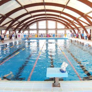 La piscina municipal de Chipiona reabre tras la finalización de los dos proyectos de mejora