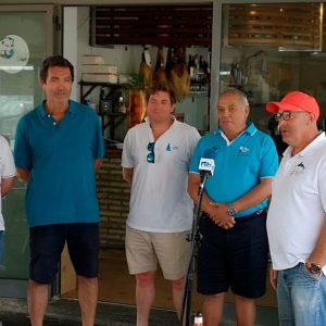 Eduardo Bueno homenajeado en el Campeonato de Andalucía de Patín a vela 2019 en el que se impuso Ramón Calero