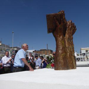 Las víctimas de la represión en Paterna de Rivera ya tienen un lugar visible en el cementerio