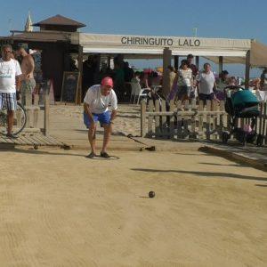 El histórico Torneo de petanca Playa de Regla abrió competición en la tarde de ayer con sesenta participantes