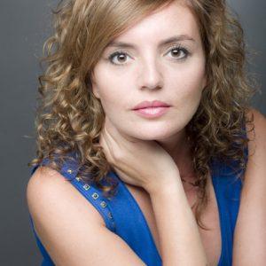 Paz Alarcón cantará en la presentación de 'Canta, Rocío, canta', el nuevo libro de Marina Bernal dedicado a La más grande