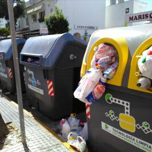 Sebastián Guzmán agradece la contribución de chipioneros y visitantes al incremento del reciclaje este verano en Chipiona
