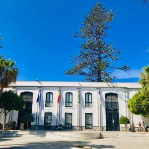Chipiona recibirá 335.000 euros del nuevo Plan Invierte de Diputación para el arreglo de zonas peatonales, equipamiento deportivo y parque móvil