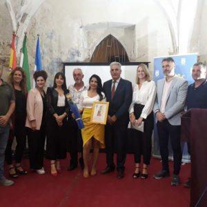 La bloguera Teresa Lorenzo recibe un homenaje por la promoción que realiza de Chipiona y apuesta por la calidad y un turismo sostenible