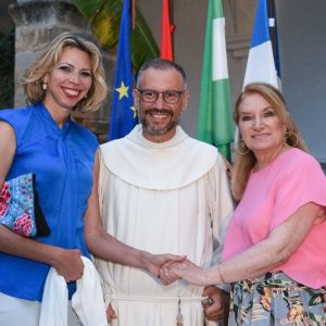 El Rector del Santuario de Regla resalta la religiosidad de Rocío Jurado en la presentación de Canta Rocío, canta