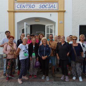 Los mayores participan en una marcha del mayor activo dentro de la programación conmemorativa del Día Internacional de las Personas de Edad