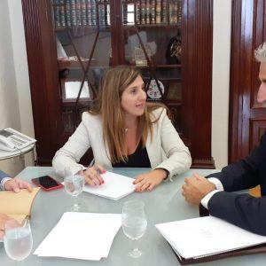 El Alcalde pide apoyo a la Diputación para declarar a Chipiona Municipio de Afluencia Turística y Ciudad del Deporte y unirla con Huelva vía marítima