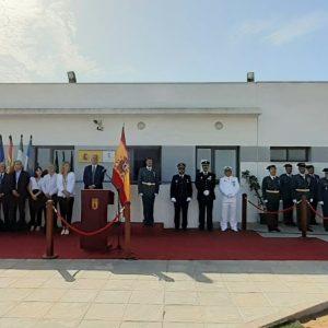 Un acto conjunto del Ayuntamiento y la Guardia Civil homenajea a la Bandera de España en el Día de la Hispanidad