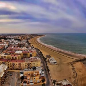 Chipiona una de las dieciocho poblaciones andaluzas que han renovado su catalogación como Municipio Turístico