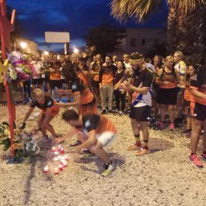 Un entrenamiento homenaje a Paco Guisado unió ayer a atletas y deportistas de Chipiona y de otras poblaciones