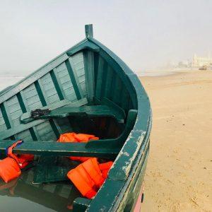 Una patera con 20 migrantes ha llegado esta madrugada a la costa chipionera