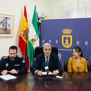 Presentado el servicio 'Chipiona Segura' que mejorará la comunicación de la Policía Local con los propietarios de inmuebles