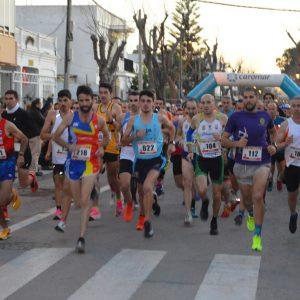 La XXVI Carrera San Silvestre Chipionera se celebró con el recuerdo y homenaje a Paco Guisado y más de cuatrocientos inscritos