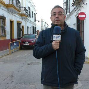 Pepe Mellado afirma que las obras de arreglo de la calle Larga permiten mejorar sus condiciones generando empleo al mismo tiempo