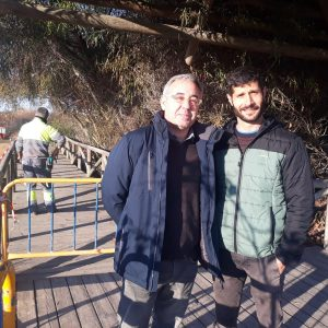 Pepe Mellado y Sebastián Guzmán supervisan los trabajos de rehabilitación del Centro El Camaleón