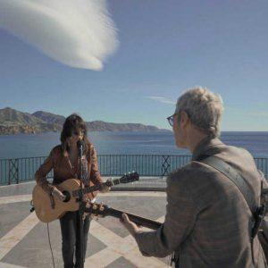 Un país para escucharlo 'Un país para escucharlo': Vanesa Martín y La Shica guían a Ariel Rot por Málaga y Ceuta