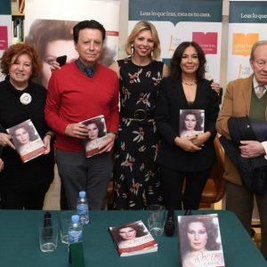 Ortega Cano , Isabel Gemio y Jose Manuel Parada  en la presentación de 'Canta,Rocío,canta' en la Casa del Libro de Madrid