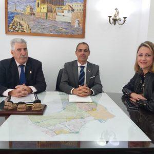 El subdelegado de Gobierno en Cádiz supervisa unas obras del Profea en Chipiona que suponen 400 empleos