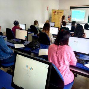 Ademur Cádiz ha impartido en Chipiona un taller sobre el uso de las nuevas  tecnologías en la búsqueda de empleo