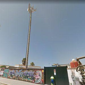 La Junta de Gobierno autoriza la desinstalación de una antena de Vodafone en la antigua depuradora