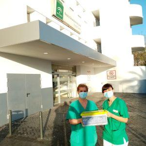 Madre Coraje entrega materiales de protección a profesionales sanitarios del Hospital de Jerez