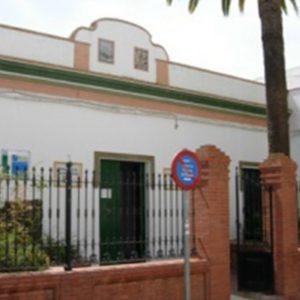 Ayuntamiento y Diputación firman un convenio para  el funcionamiento de los servicios sociales comunitarios en Chipiona