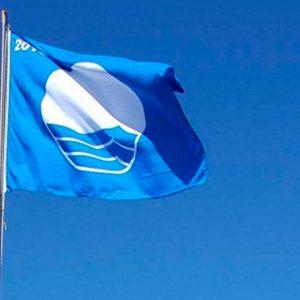 Chipiona recupera la Bandera Azul en la playa de Las Tres Piedras-La Ballena