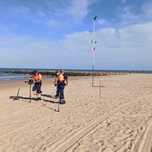 Comienza la delimitación de espacios en las playas de Regla, Cruz del Mar y la Laguna