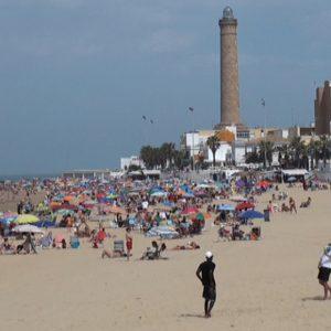 El alcalde de Chipiona ha solicitado a la delegada de la Junta en Cádiz el incremento de los vigilantes de playas contratados