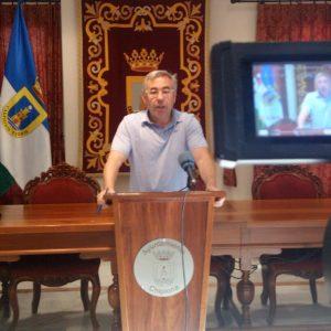 Pepe Mellado anuncia la apertura hoy de los aparcamientos municipales vigilados del Muelle y Las Canteras
