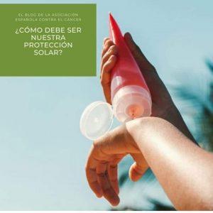 La AECC de Chipiona alerta sobre la importancia de la protección ante el sol y el calor