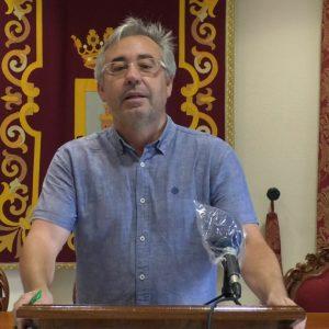 Pepe Mellado anuncia que mañana se incorpora un nuevo refuerzo en la empresa Caepionis para limpieza viaria