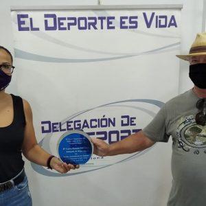 El Club de petanca Playa de Regla agradece a Laura Román su ayuda para la organización del torneo de este verano